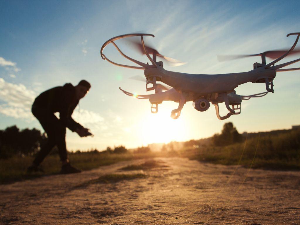 Droner & Robotics